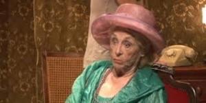 Montserrat Carulla interpretant la IAIA!