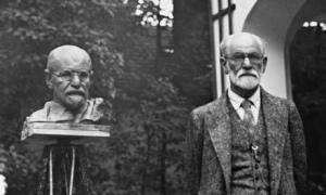 Sigmund Freud and his Sculpture