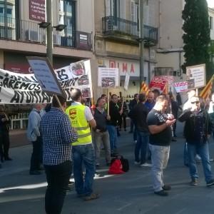 Nova protesta de les treballadores de TMESA davant l'Ajuntament, el 23 octubre. (Foto: PV)