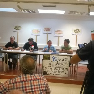 Roda de premsa dels grups que presentaren al·legacions contra la passarel·la de Mútua (Foto: PV)