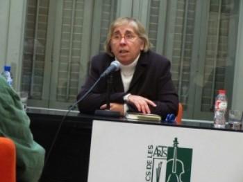 Assumpta Montellà durant la xerrada a Amics de les Arts (Foto: JF)