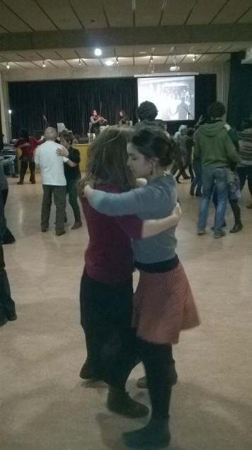 Balls folk i tradicionals a sala d'actes del CC Avel·lí Estrenjer (Foto: PV)