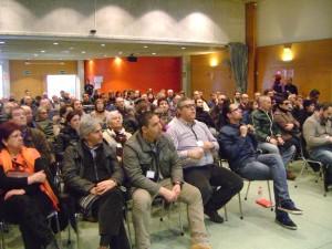 Assistents a l'assemblea de Podemos, dissabte 7 de febrer. Foto: PV