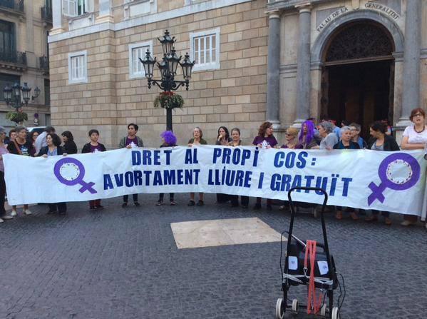 Concentració a la plaça de Sant Jaume, Barcelona. Foto: Campanya pel Dret a l'Avortament