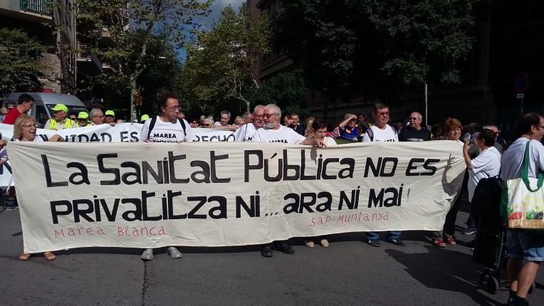 Manifestació en defensa de la sanitat pública a Barcelona. Foto: Marea Blanca