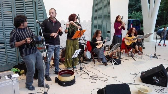 Grup Bauma Folk, el passat 9 d'octubre, Parc de Sant Jordi, trobada de Treure Ball. Foto PV