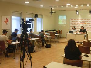 Romina Garcia i Ricard Bellera presenten l'estudi. Foto CCOO