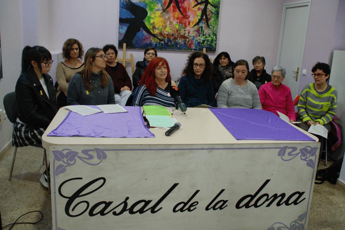 Carme Freixa inicia la Roda de Premsa simultània a la que es suma la Comissió 8 de Març Terrassa