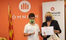 Tres alumnes de Terrassa guanyen el Premi Sambori de narrativa escolar, d'Òmnium Cultural, en l'àmbit nacional